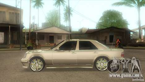 Mercedes-Benz E500 VIP Class pour GTA San Andreas laissé vue