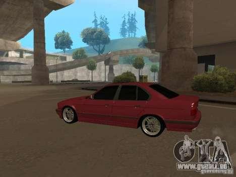 BMW E34 M5 pour GTA San Andreas sur la vue arrière gauche