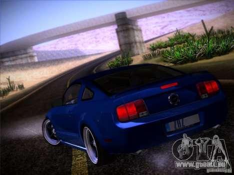 Ford Mustang GT 2005 pour GTA San Andreas vue de côté