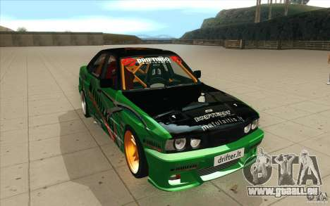 BMW E34 V8 Wide Body pour GTA San Andreas vue arrière