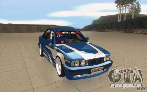 BMW E34 V8 pour GTA San Andreas vue arrière