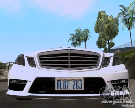 Mercedes-Benz E63 AMG V12 TT Black Revel für GTA San Andreas zurück linke Ansicht