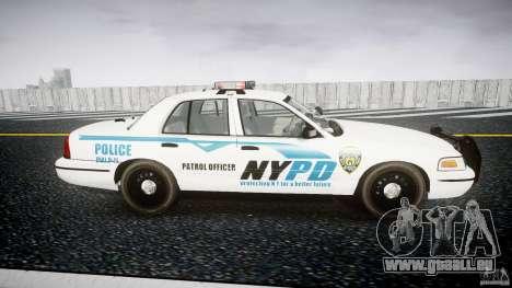 Ford Crown Victoria v2 NYPD [ELS] pour GTA 4 est une vue de l'intérieur