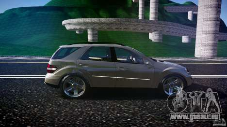 Mercedes-Benz ML 500 v1.0 pour GTA 4 est une vue de l'intérieur