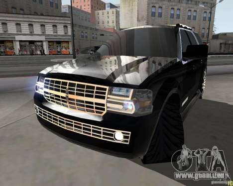 Lincoln Navigator pour GTA San Andreas sur la vue arrière gauche