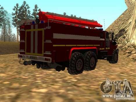 Ural 43206 AC 3.0-40 (6 x 6) pour GTA San Andreas sur la vue arrière gauche
