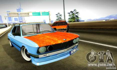 BMW E28 525e RatStyle No1 pour GTA San Andreas vue de côté