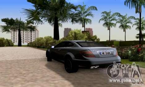 Mercedes-Benz C63 AMG pour GTA San Andreas sur la vue arrière gauche