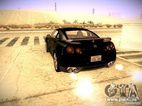Nissan GT-R pour GTA San Andreas vue de droite