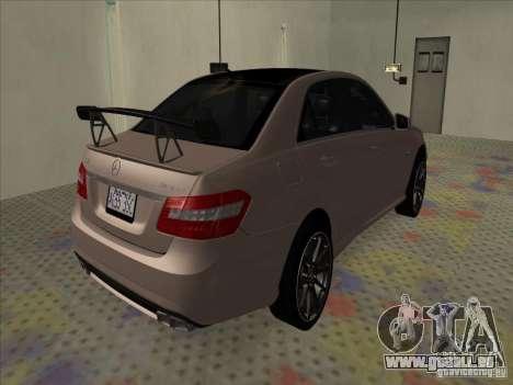 Mercedes-Benz E63 AMG Black Series Tune 2011 pour GTA San Andreas sur la vue arrière gauche