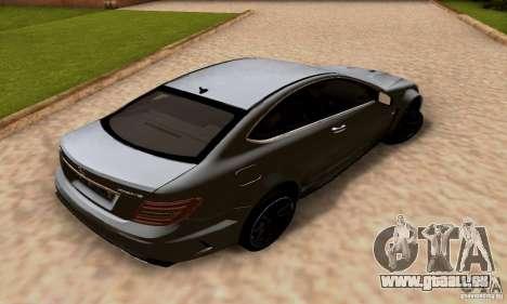 Mercedes-Benz C63 AMG für GTA San Andreas Unteransicht