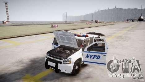 Chevrolet Tahoe 2012 NYPD pour GTA 4 est une vue de l'intérieur