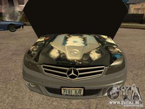Mercedes-Benz C63 AMG pour GTA San Andreas vue de droite