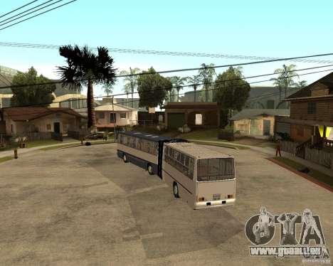 IKARUS 280 pour GTA San Andreas sur la vue arrière gauche