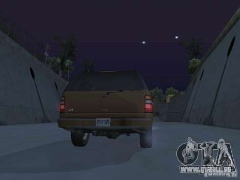 Chevrolet Suburban 2003 pour GTA San Andreas moteur