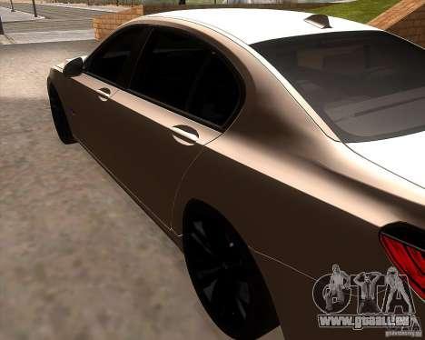 BMW 750Li 2010 pour GTA San Andreas sur la vue arrière gauche