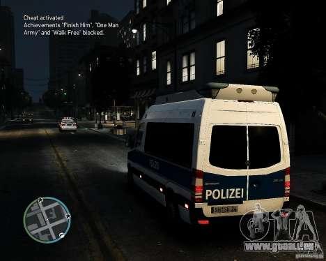 Mercedes Sprinter German Police pour GTA 4 Vue arrière de la gauche