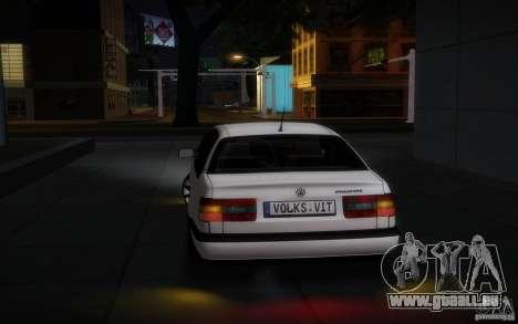 Volkswagen Passat B4 pour GTA San Andreas vue de droite