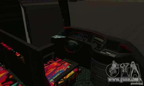 Mercedes-Benz Travego pour GTA San Andreas vue de côté