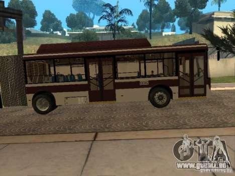 LIAZ 6213.70 pour GTA San Andreas sur la vue arrière gauche