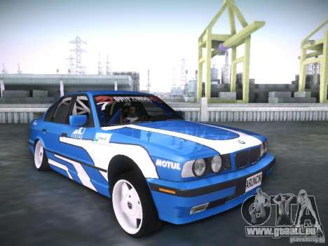 BMW E34 Drift pour GTA San Andreas vue de droite