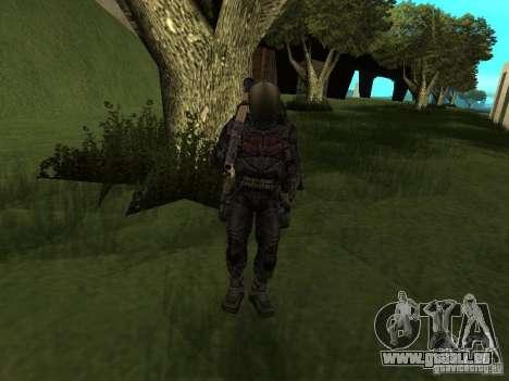 Mitglied hält es im Kostüm für GTA San Andreas fünften Screenshot