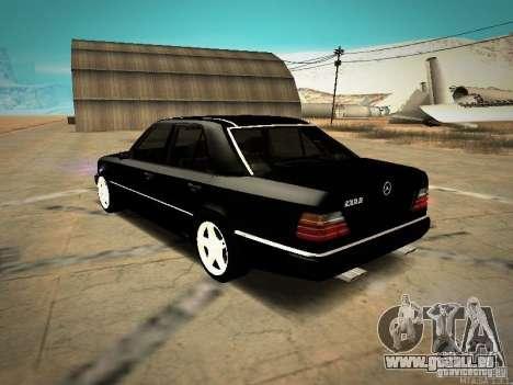 Mercedes-Benz E250 V1.0 pour GTA San Andreas sur la vue arrière gauche