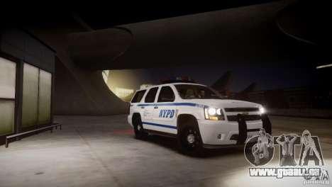 Chevrolet Tahoe 2012 NYPD pour GTA 4 est un côté