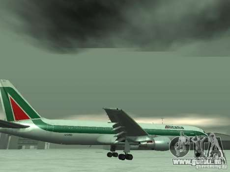 Boeing 767-300 Alitalia pour GTA San Andreas salon