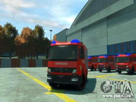 Mercedes-Benz Atego Fire Departament pour GTA 4 est une vue de l'intérieur