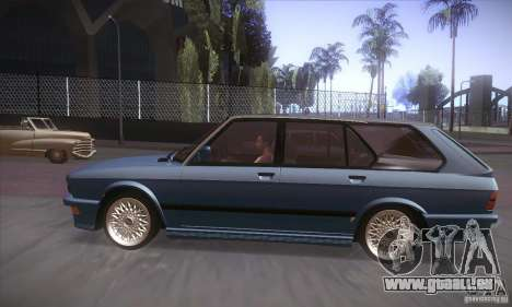 BMW E28 Touring pour GTA San Andreas sur la vue arrière gauche