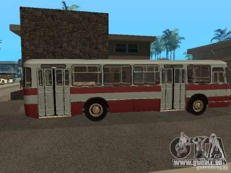 LIAZ 677 pour GTA San Andreas vue de droite