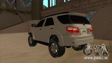 Toyota Fortunner 2012 Semi Off Road pour GTA San Andreas vue arrière