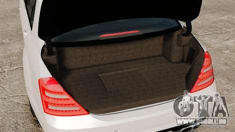 Mercedes-Benz S65 W221 AMG Stock v1.2 pour GTA 4 est une vue de l'intérieur