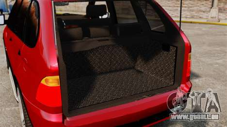 BMW X5 4.8iS v3 pour GTA 4 est un côté