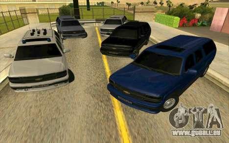 Chevrolet Suburban pour GTA San Andreas vue de côté