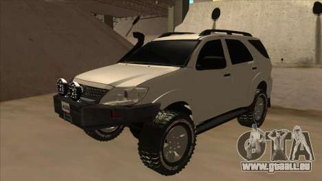 Toyota Fortunner 2012 Semi Off Road pour GTA San Andreas