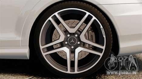 Mercedes-Benz S65 W221 AMG Stock v1.2 pour GTA 4 est un droit