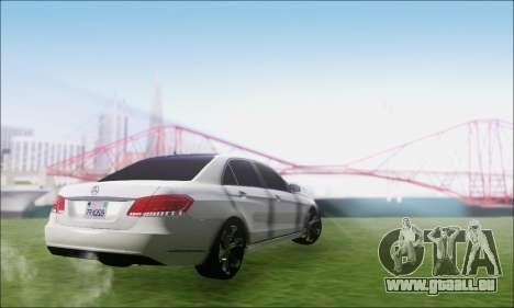 Mercedes-Benz W212 AMG v2.0 pour GTA San Andreas laissé vue