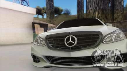 Mercedes-Benz W212 AMG v2.0 für GTA San Andreas