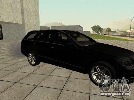 Mercedes-Benz w212 E-class Estate pour GTA San Andreas sur la vue arrière gauche