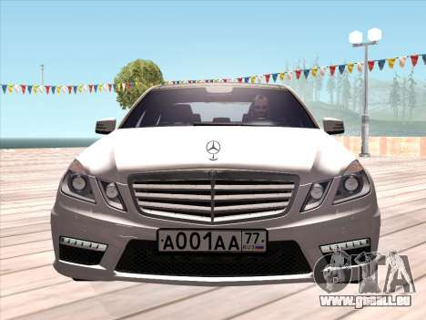 Mercedes-Benz E63 AMG 2010 pour GTA San Andreas laissé vue