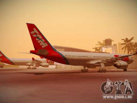 Airbus A330-200 TAM Airlines pour GTA San Andreas sur la vue arrière gauche