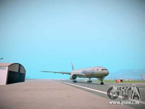 Boeing 777-223ER American Silver Bullet pour GTA San Andreas sur la vue arrière gauche