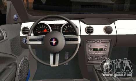 Ford Mustang GT 2005 v2.0 pour GTA San Andreas sur la vue arrière gauche