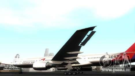 Boeing 777-280ER Asiana Airlines für GTA San Andreas Seitenansicht