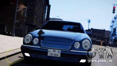Mercedes-Benz E55 AMG pour GTA 4 est une gauche
