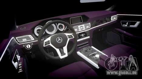 Mercedes-Benz E200 Vossen VVS CV5 pour GTA 4 est une vue de l'intérieur