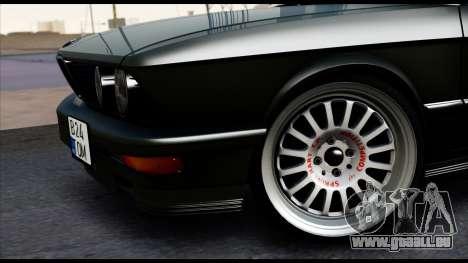 BMW M5 E28 Christmas Edition pour GTA San Andreas sur la vue arrière gauche