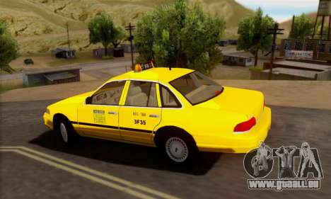 Ford Crown Victoria NY Taxi pour GTA San Andreas vue arrière